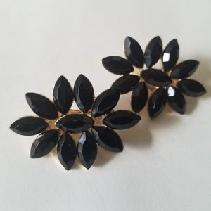 Jewelry - Black and Gold Floral Clip Earring